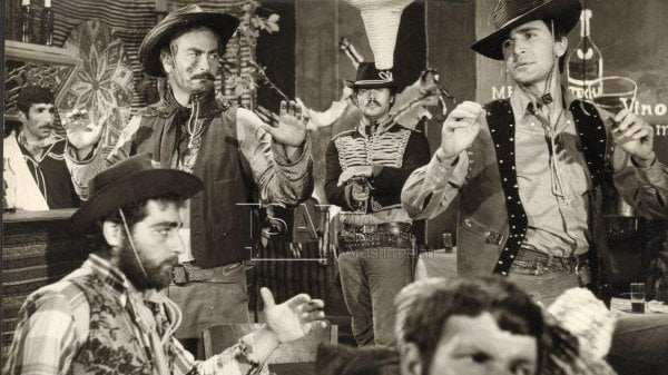 Zorro Kamçılı Süvari kultalt.com